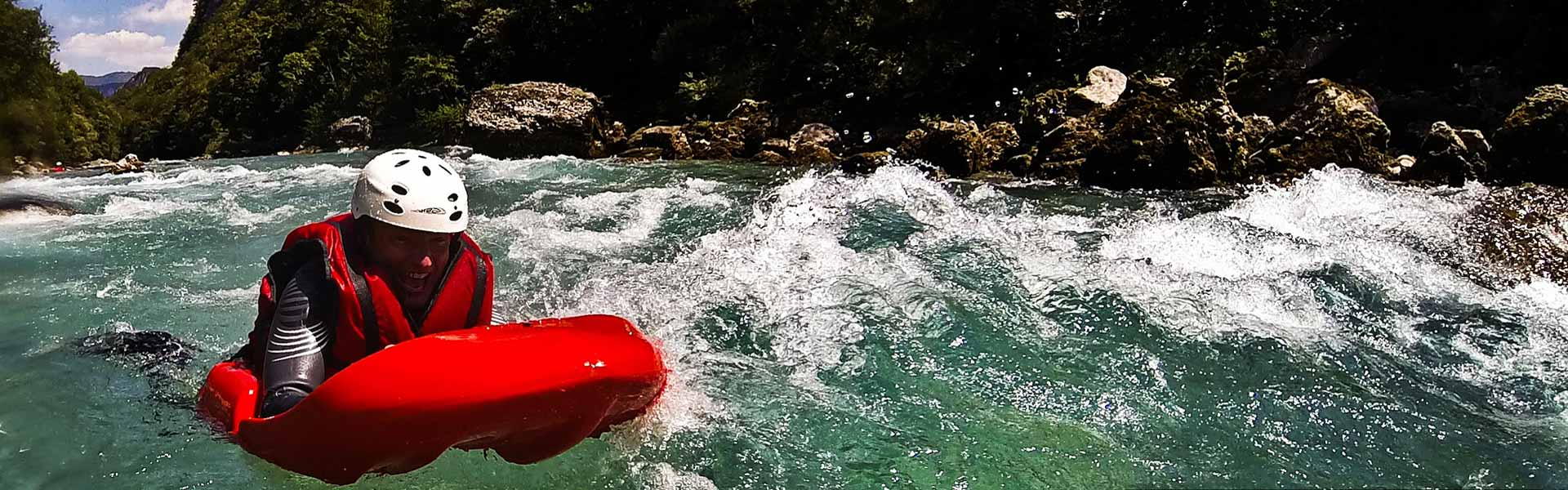 "<h2 style=""color: #FFFFFF;"">Hidrospeed</h2> <p>If you're looking for the most exiting challenges, Hydrospeed gives you the opportunity to get into the river.<br> An exhilarating and adrenalin activity for the bravest. <br /></p>"